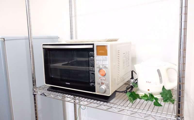 電子レンジ、冷蔵庫、電気ケトル