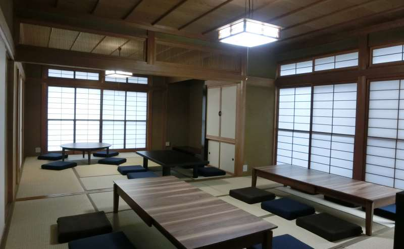 婦中鵜坂駅でパーティーのできるイベントスペース