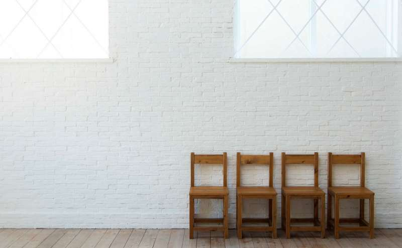 【A-Room】ナチュラルな白のレンガの壁と南の自然光がふりそそぐ南の窓