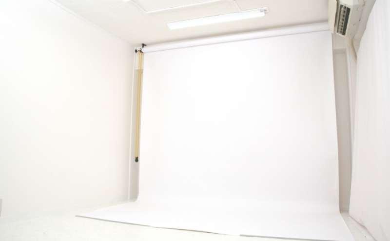 ReaStudio [原宿駅から徒歩5分、白を基調とした明るいフォトスタジオです]