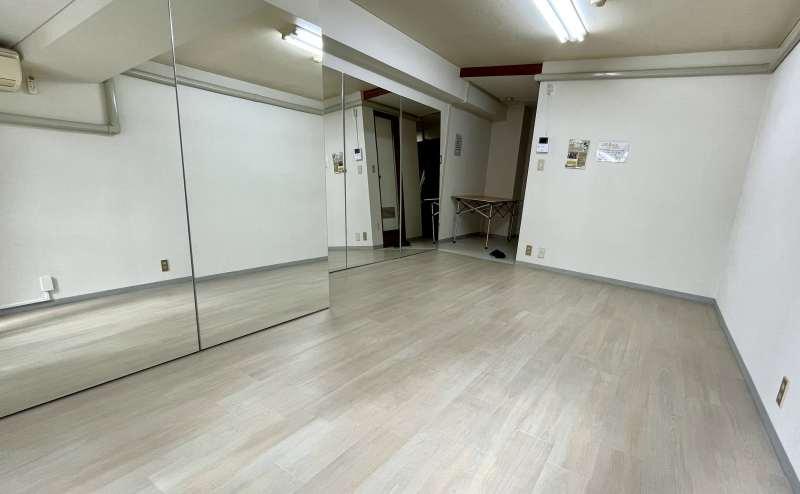 名古屋・栄のレンタルスタジオ名城Tanzen(タンツェン) ダンスや1人練習に最適なスペース