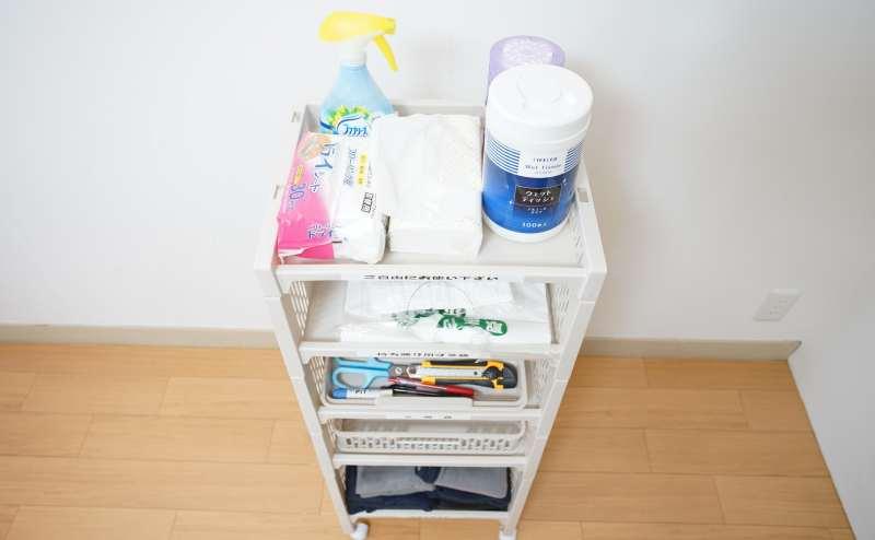 ティッシュ・消臭スプレー・ゴミ袋・文房具・ブランケットなどご自由にお使いください。