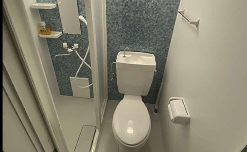 トイレ。シャワーもご利用いただけます