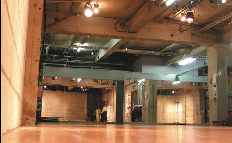 京王線 仙川駅 4分のレンタルスタジオ