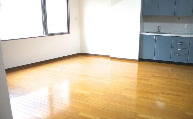明るく開放的なスペース (スタジオ面積 15.1畳)