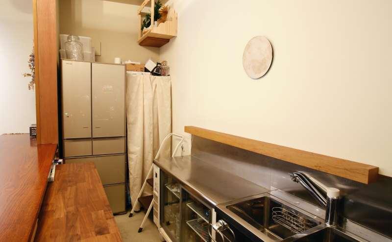冷蔵庫あり。食器も貸し出し可。