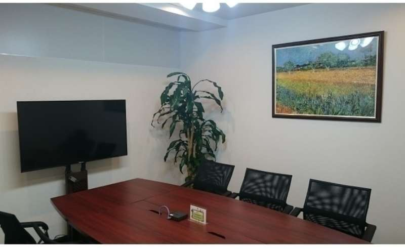 こちらは会議室B。会議室Aと同時レンタル可能です。お問い合わせください