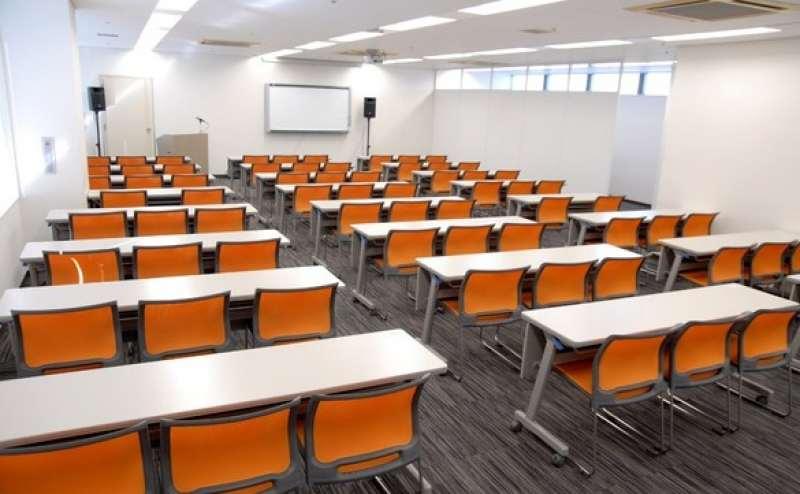 【日本橋】人気のエリアでリーズナブルな会議室ならココ!最大収容人数79名  ゆったり座れます
