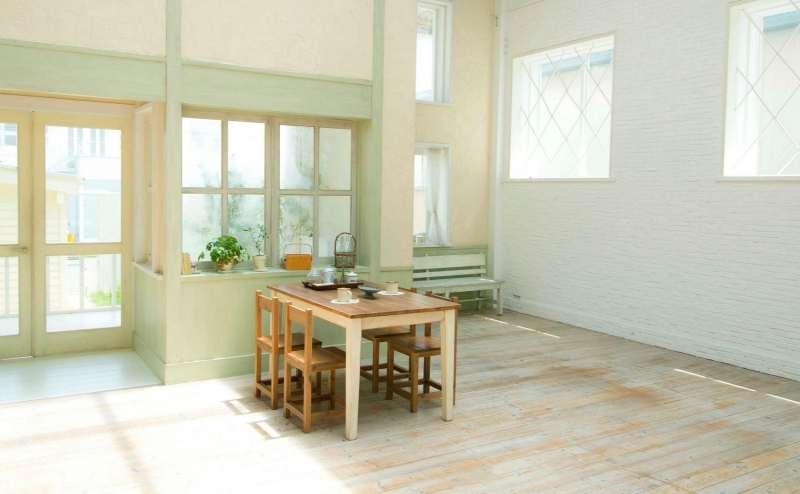 【A-Room】パターンが5種類もある壁面と天井高最大7mの広々とした空間です