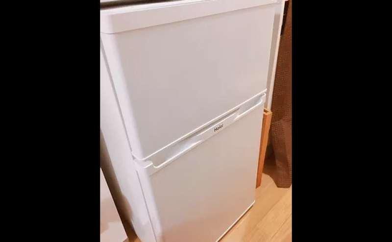 冷蔵庫。近隣にコンビニもございます。ご自由にご利用ください