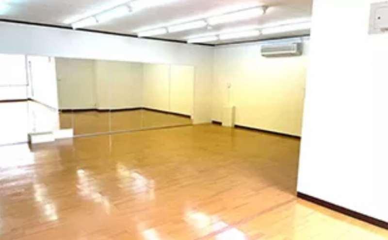 地下鉄名城線名城公園駅から徒歩6分の駅近スタジオ。通勤通学途中にも使いやすい立地です