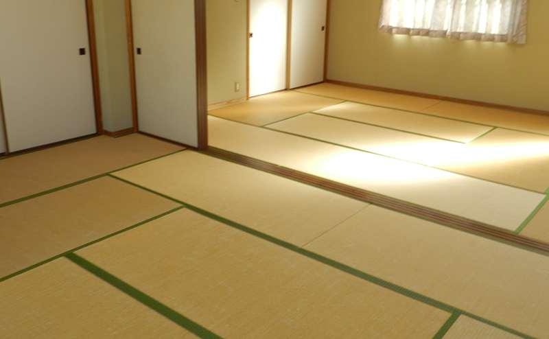 和室10畳の部屋を2つ合わせて20畳のお部屋です。