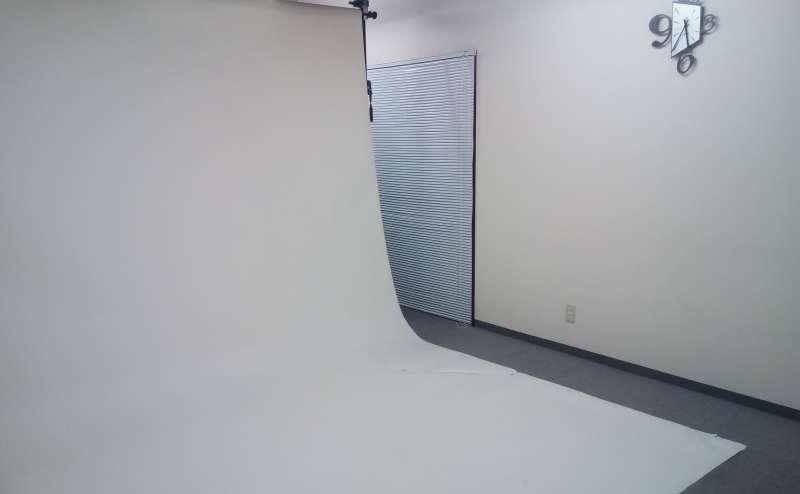 幅2.7mのロール紙もございます。合成用の青色もございます。