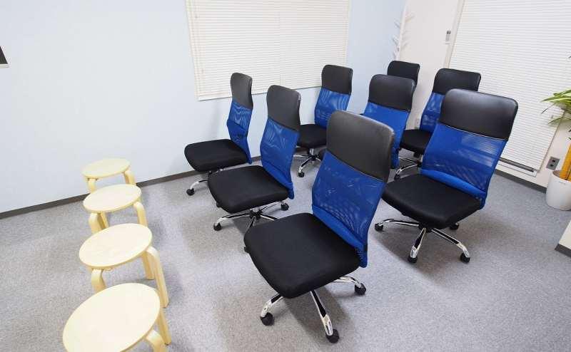 椅子のみを並べたセミナー向けレイアウト