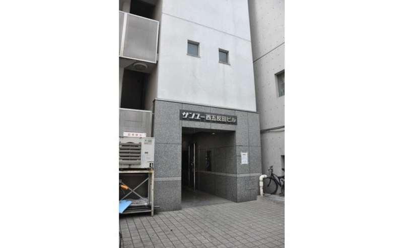 五反田駅のビジネス街に面した分かり易い立地です
