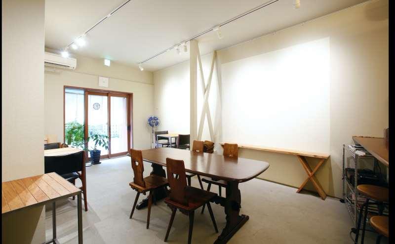 大阪中崎町駅 徒歩3分「ギャラリー&カフェMATSURI」シンプルおしゃれで使いやすいキッチン付きスペースです