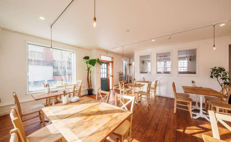 【駅から徒歩2分👀】おしゃれで大人なカフェ空間!キッチン付きのレンタルスペース✨