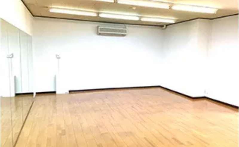 広さ55㎡の広々としたダンススタジオ。エアコン完備です