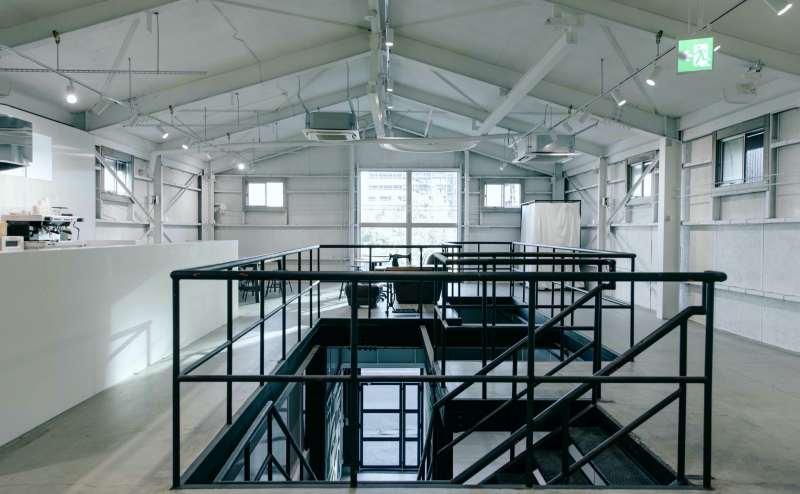 新木場駅徒歩5分 約163㎡・天井高約4mの白いインダストリアルな空間。