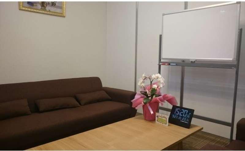 大阪メトロ谷町線 東梅田駅 6分の貸し会議室