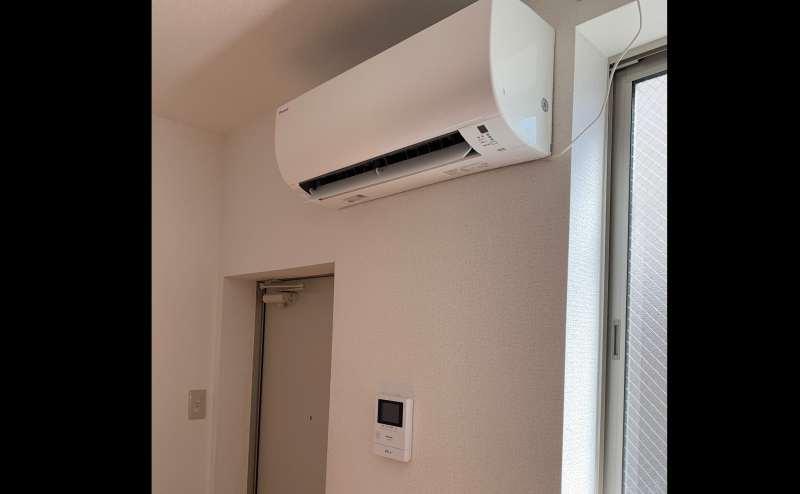 エアコンやモニター付きインターフォンも設置しております。