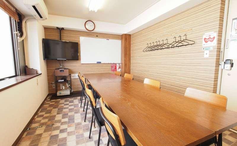 レンタルスペース 横浜【ワイナリー】定員8~12名 おしゃれな貸会議室