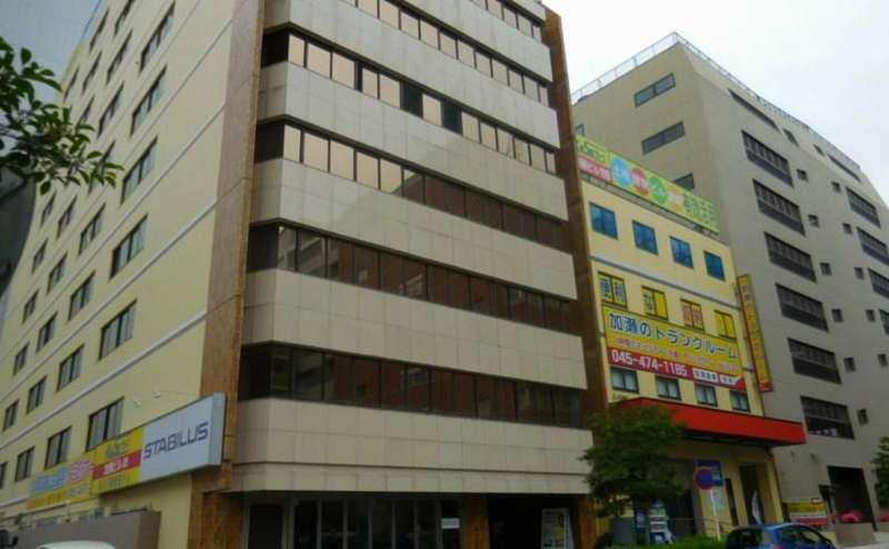 新横浜駅から徒歩3分。駅近でリーズナブルな会議室