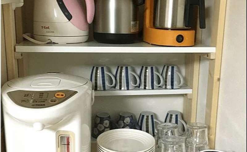 電気ポットやグラス、プラスチックのお皿などを貸し出しております