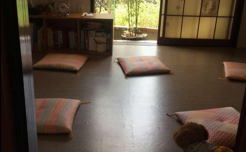 和室はテーブルをかたずければ広々とお使い頂けます。