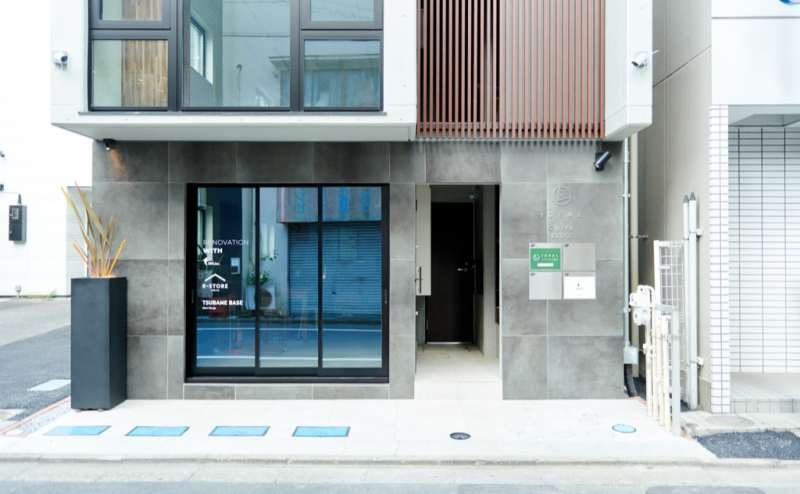 新築ビルの1Fです。