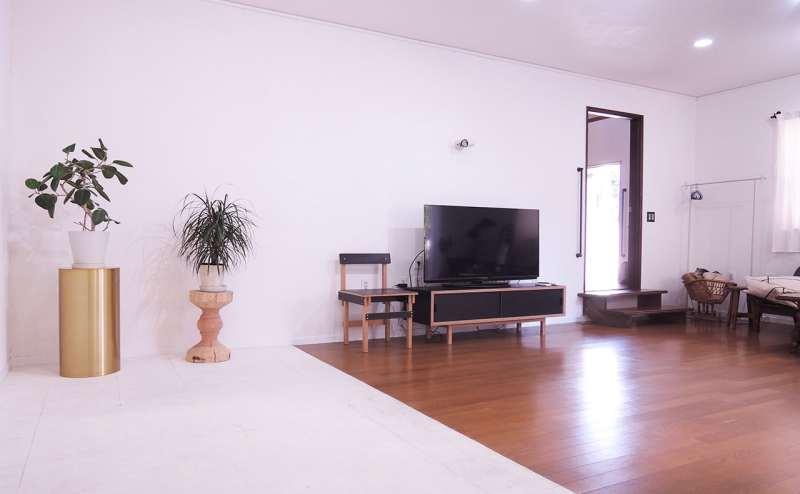 メインホール。50インチのテレビが常設しています。