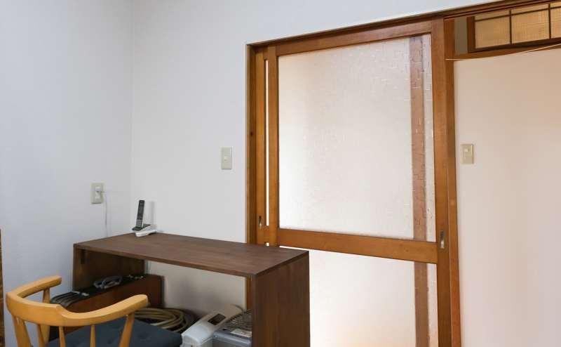 控え室としてご利用できる部屋もございます。 流し台、冷蔵庫、給湯器、電気ポットがご利用いただけます。