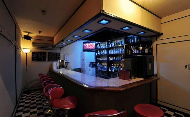 笹塚にあるコンパクトな飲食店スペース