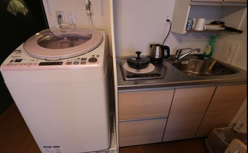 小さいですがキッチンもあります。