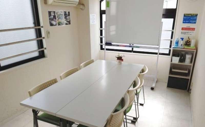 【大宮駅東口徒歩4分】★最安値★完全個室で明るい  小会議室/セミナールーム