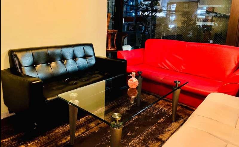 赤いソファーが特に人気です