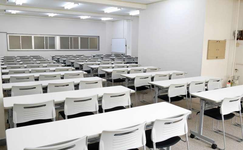 落ち着いた雰囲気の会議室 静かな環境が必要な集まりにもぴったり
