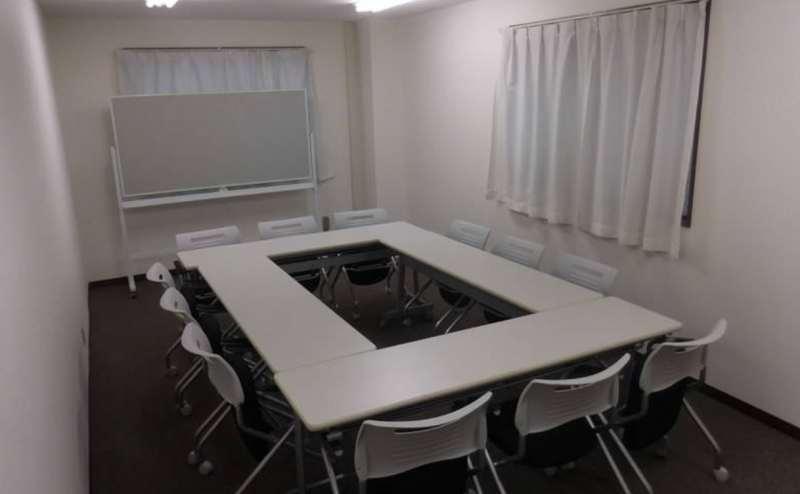 ホワイトボード無料完備。会議やセミナーにぴったりです
