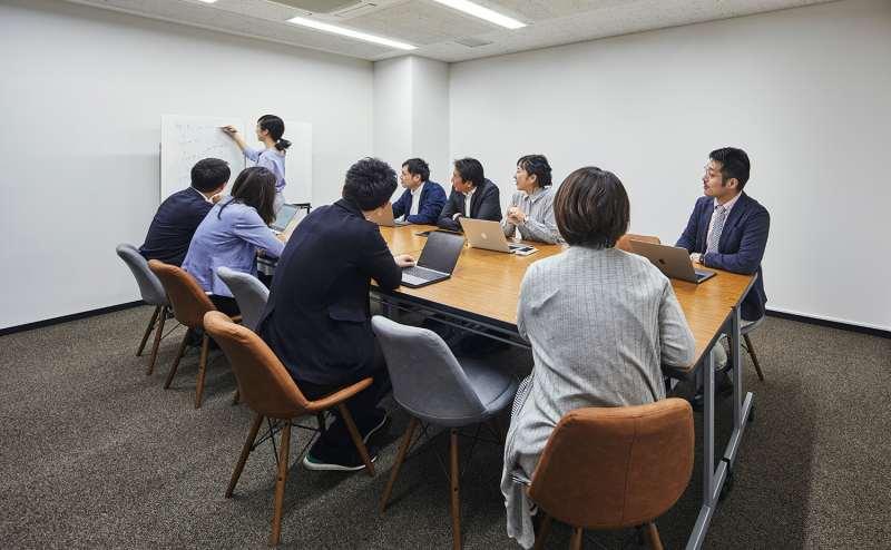 東京メトロ半蔵門線 神保町駅 1分のレンタルカフェ