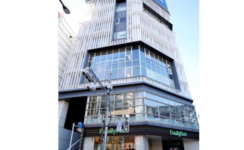 6階小会議室A   大きな窓が人気の会議室です