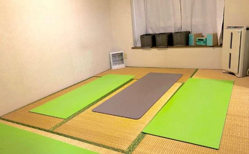 ヨガルームは関節に優しい落ち着いた畳仕様