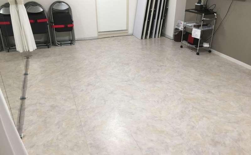 フロアタイルの床です