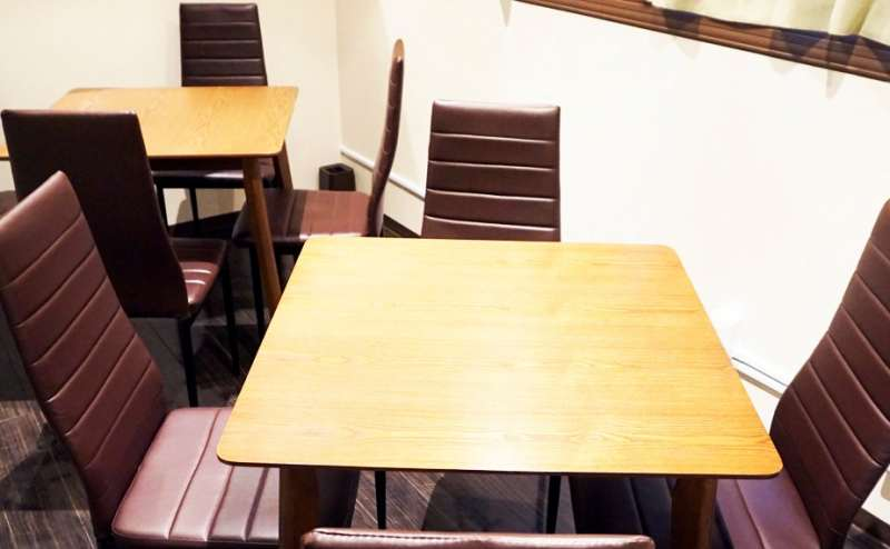 落ち着ける個室。テーブルレイアウトは変更自由