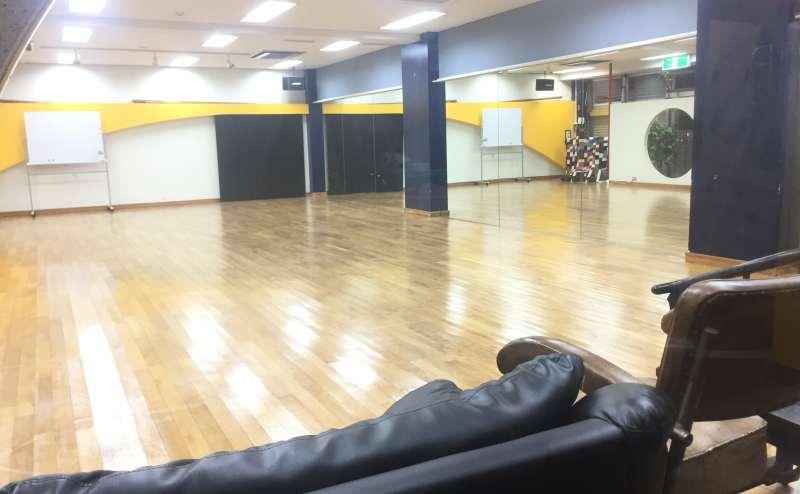 東急田園都市線 三軒茶屋駅 7分のレンタルスタジオ
