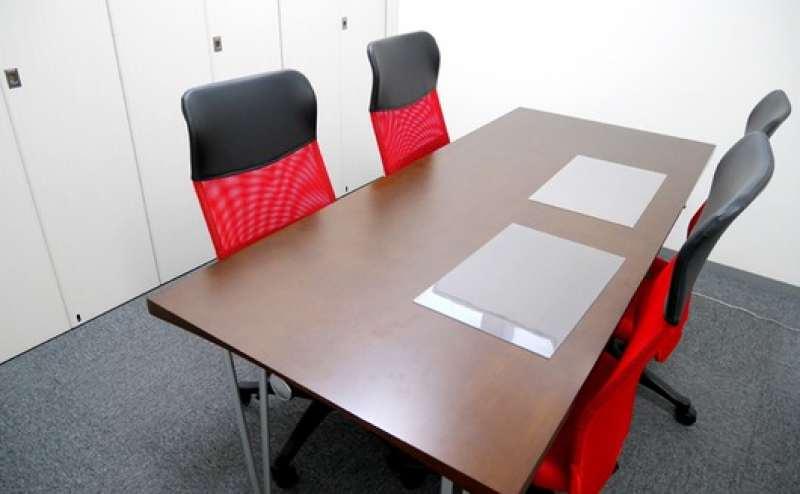 同施設内会議室での会議や講演会の控室や休憩室にもぴったり