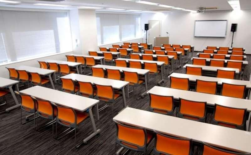 約123㎡の大型会議室  大人数の集まる会議も安心の広々スペース
