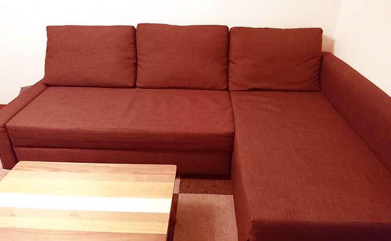 大き目のソファーがあるのでカウンセリングもゆったりと