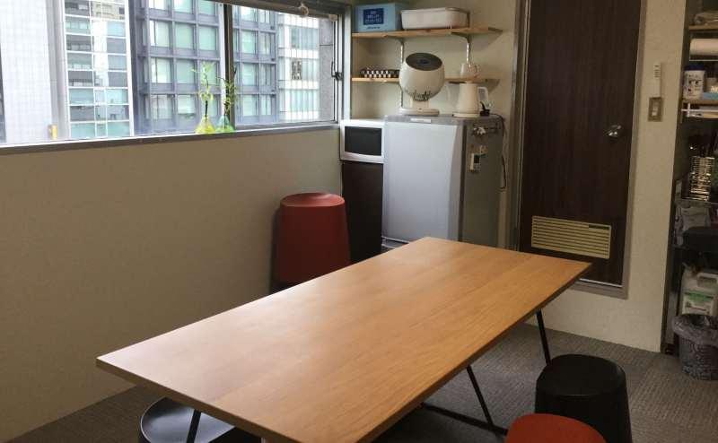 テーブル・椅子の配置はご自由にどうぞ。