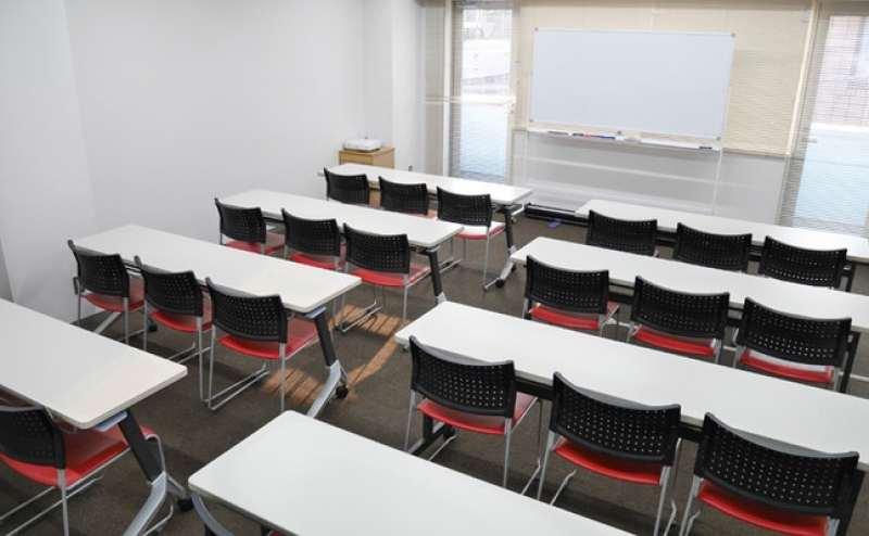 定番の教室型スタイルです
