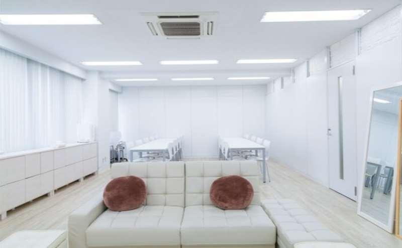 都営新宿線神保町駅 のイベントスペース